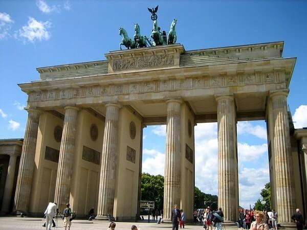 Виза в Германию в 2020 году: образец заполнения анкеты, документы, стоимость
