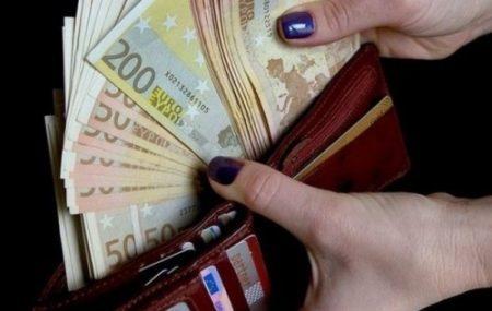 Работа сиделкой в Италии для русских в 2020 году: особенности работы, вакансии в семьях для женщин