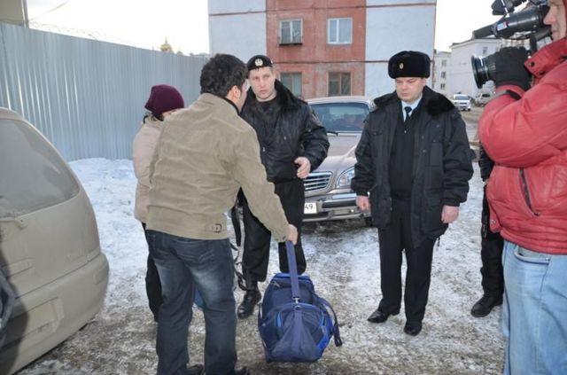 Выдворение: административное выдворение за пределы Российской Федерации