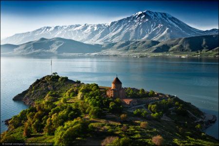 Нужна ли виза в Армению для россиян?