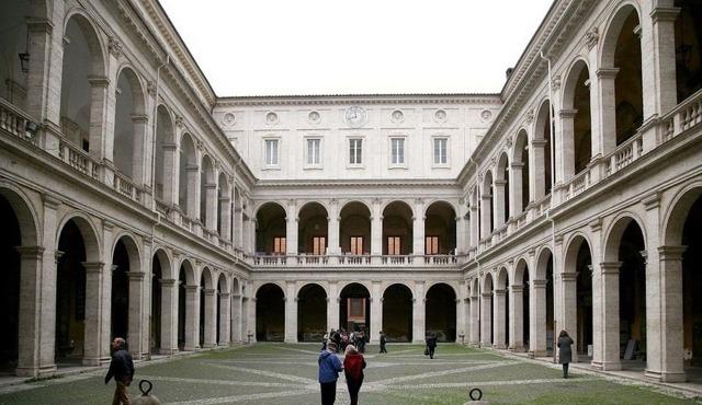 Как получить высшее образование в Италии в 2020 году: система обучения, курсы и стажировки для русских и других иностранцев